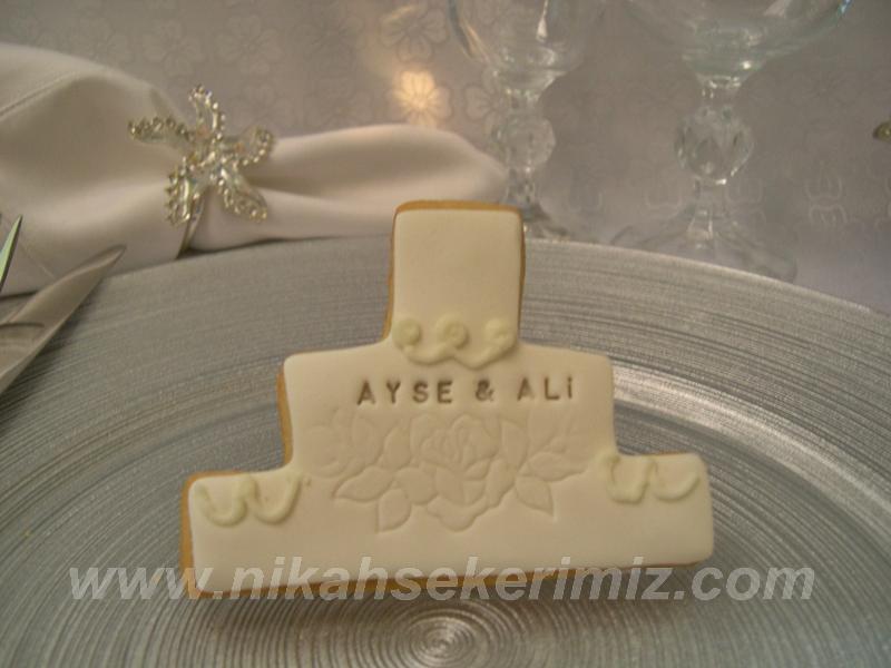 Düğün pastası şeklinde kurabiye